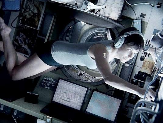 "Sandra Bullock "" #Gravity """