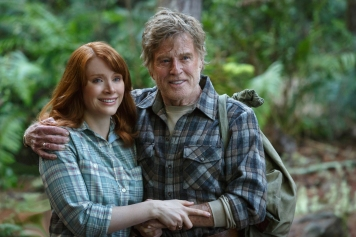 Photo: Disney Pictures Mexico Bryce Dallas Howard is Grace and Robert Redford is Mr. Meacham in Disney's PETE'S DRAGON, the adventure of a boy named Pete and his best friend Elliot, who just happens to be a dragon.